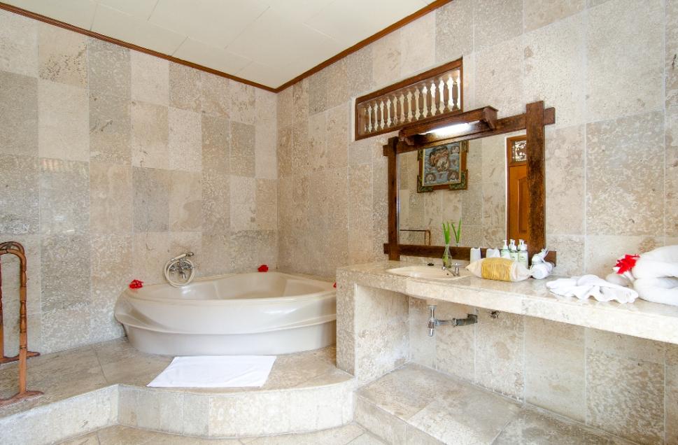 bath-room-of-green-field-hotel-ubud-bali-travel-experiences