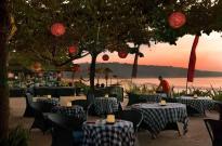 dinner-near-the-beach-at-intercontinental-jimbaran-green-field-hotel-ubud-bali-travel-experiences