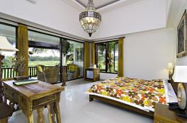 huge-room-green-field-hotel-ubud-bali-travel-experiences