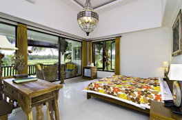huge-room-green-field-hotel-ubud-bali-travel-experiences