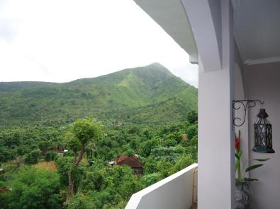 mountain-view-of-baliku-dive-resort-amed-bali-travel-experiences