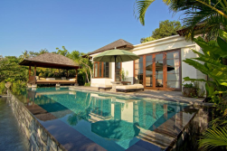 private-pool-villa-of-damai-lovina