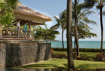 relaxing-at-intercontinental-jimbaran-green-field-hotel-ubud-bali-travel-experiences