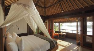 villa-with-beach-view-at-the-menjangan-resort-bali