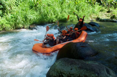 white-water-rafting-bali-travel-experiences